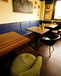 カフェのような店内です。