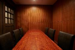 完全個室は8名様までOKです。接待・顔合わせに。