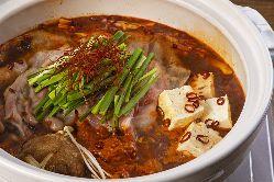 これからの季節にぴったりな「ピリ辛鍋」皆様で楽しんでください
