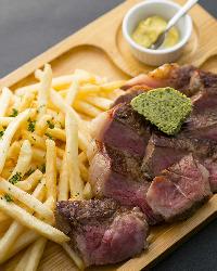 自家製ハーブバターが香る国産牛ステーキ200g
