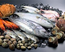 店主自らの目利きで鮮魚を厳選しています。