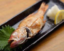 『のどぐろ塩焼』目利きにかなった高級魚も手軽に楽しめます