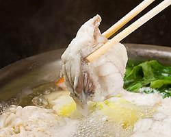 骨の髄からダシが染み出て野菜や雑炊も絶品!