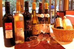 ソムリエが厳選のワインが充実