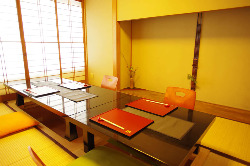 完全個室となる お座敷(個室) 窓の外には鴨川と東山が・・