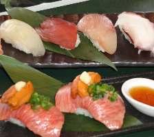 牛鮮ならではの新鮮な牛肉・海鮮を使った にぎり!食べなきゃ損