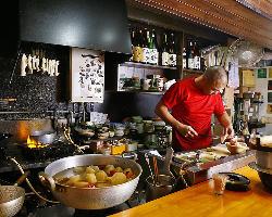 【匠の技】 名物大将が心を込めて作る逸品料理の数々を是非。