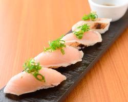 珍しい! 鶏のお寿司は人気です!