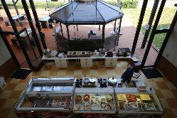 洲本温泉の老舗旅館「海月館」がプロデュースしています
