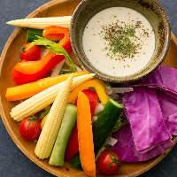 新鮮野菜を使ったバーニャカウダ・野菜もオススメ♪