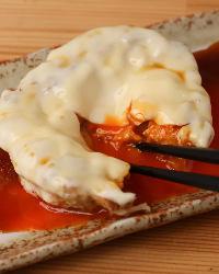 <エッグチーズつくね> 自家製つくねのアレンジ料理が多数