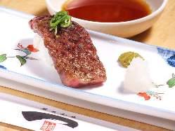 炙りにぎり寿司 一貫680円