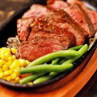 熟成肉は、口に入れた瞬間に、芳醇な香りが口の中に広がります