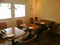 ゆったりとした2階席は10~12名まで貸切可能です。