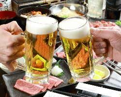 ビール、酎ハイ、焼酎など、多彩なお酒を取り揃えております。