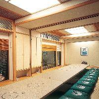 かに寿司盛合せ折 2,052円(税込)