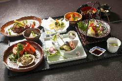 旬の食材と職人の繊細な技で、真心こめたお料理のおもてなし。