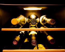 ワインセラーも★和食にあうワインを取り揃えております