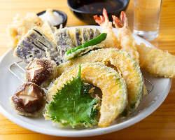 天ぷらもカラッと揚げたて、ホクホクをお召し上がり下さい。
