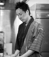 熟練の料理人が、日本全国のご当地メニューをご提供します