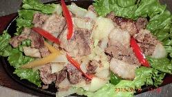 お肉も野菜もスパイスもこだわりの食材を使用しております☆
