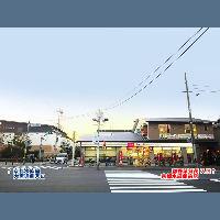 京都水族館 大宮通側入口より、徒歩10秒!