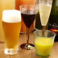アルコールドリンクとジュース、炭酸水等でオリジナルカクテルも