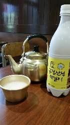 韓国焼酎やマッコリ、京都地酒をお楽しみください。