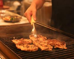 ランチはグリル料理が一番人気!ぜひ味わってみてください