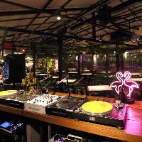音響・照明・プロジェクターなどパーティに適した設備が充実!