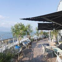 テラスは琵琶湖を一望できる抜群のロケーション