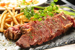 《ステーキ》 真空低温調理で肉本来の柔らかさが堪能できます◎