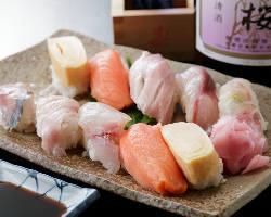 〈絶品のお寿司〉 オーナが自ら握る新鮮なお寿司も人気です!