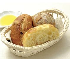 熱々焼立てパンが食べ放題で、おかわり自由♪