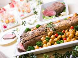 旬の食材を使った 自慢の料理でゲストをおもてなし!