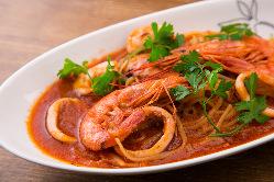 洋食が恋しい方には新鮮魚介の旨みたっぷりペスカトーレ