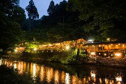 ≪川床でのお食事♪≫ 清滝川の清流を眺めながらお楽しみ下さい