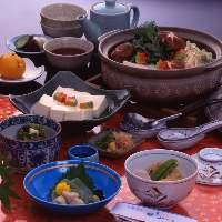 ≪「森嘉」の嵯峨豆腐≫ 使用した湯豆腐はとろけるよな食感です