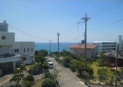 2F窓際からの眺め。太平洋と青い空を一望下さい。まさに絶景。