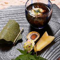 【懐石料理】 四季の移ろいに寄り添った、目でも楽しめる品々