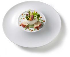 彩豊かな上質な料理。一味違う極上の味に舌鼓を打たれては?