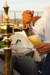 ビールサーバー完備!キーンと冷えたビールで乾杯♪