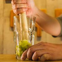 生のフルーツを使ったチューハイが好評!酸味&甘味にウットリ!