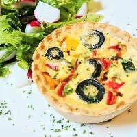 見た目にもこだわった美味しいフランス料理をご堪能ください。