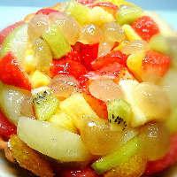 旬の果物を使ったフルーツタルトなど、デザートもおすすめ◎