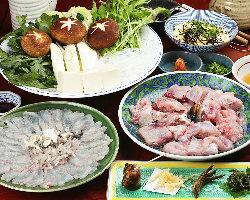 おすすめの一品料理や、カニ、てっちりなどの鍋も絶品です。