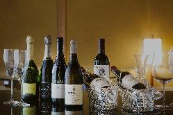 ソムリエ厳選の銘醸ワインとのマリアージュをお楽しみ下さい。