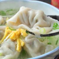 上海料理が多彩に揃います。どれも食べ応えありの自信作です。
