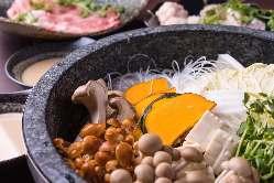 当店自慢の石鍋は一度は食べていただきたい一品です。