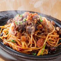 もちもち自家製麺と秘伝のソースにヤミツキ☆鉄人ナポリタン